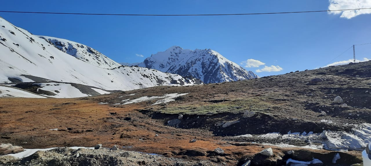 Khunjerab Pass Mountains with snow in the top