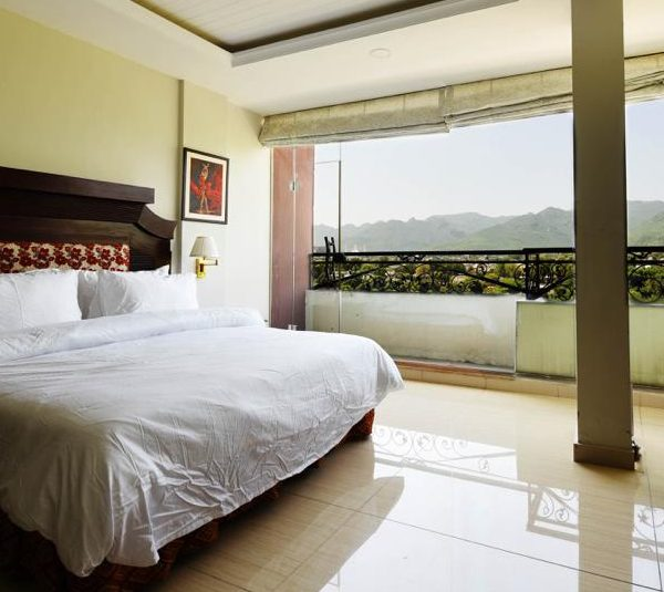 Four Star Rozefs Resort Islamabad hotel room with Margalla hills view- Rozefstourism.com