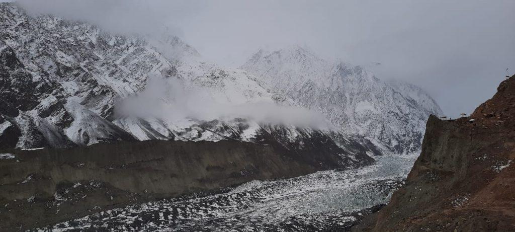 Hoper Glacier in Winter - Rozefstourism.com