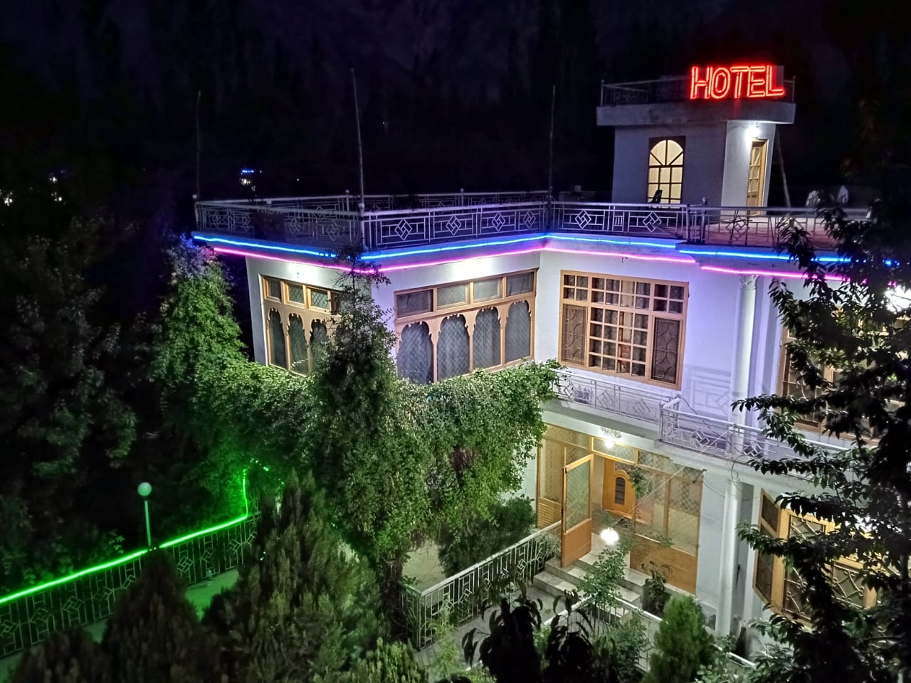 Hotel in Skardu with view of the valley