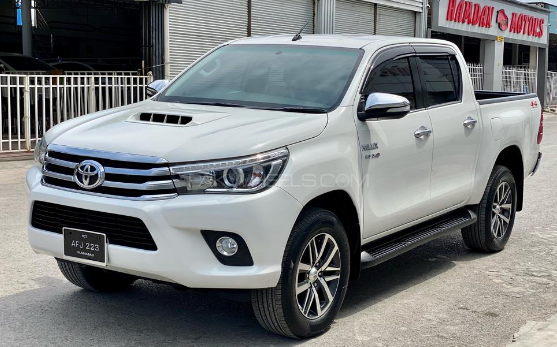 hilux 4x4 car for rent in islamabad and gilgit