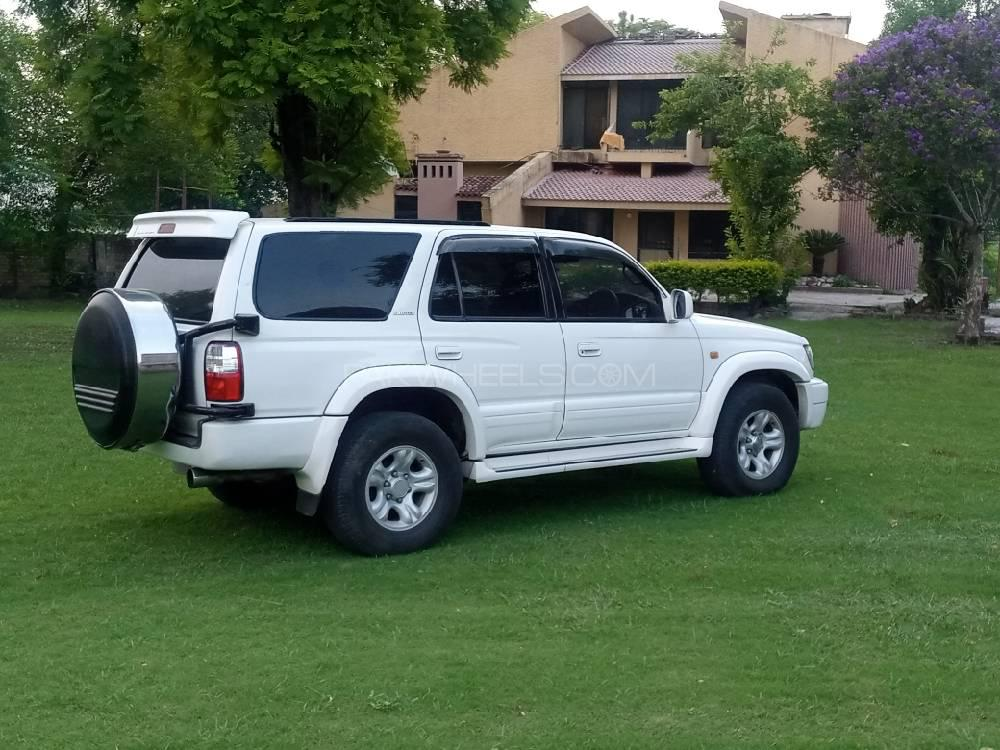 toyota surf available for rent in Islamabad and Giglit Hunza back side