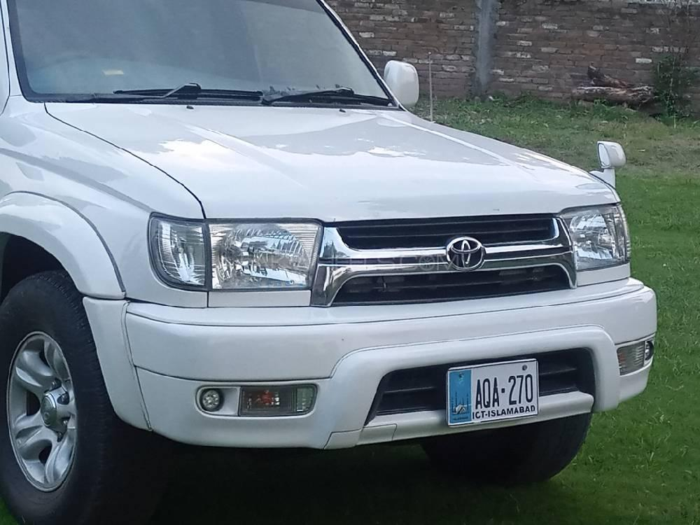 toyota surf available for rent in Islamabad and Giglit Hunza front picture