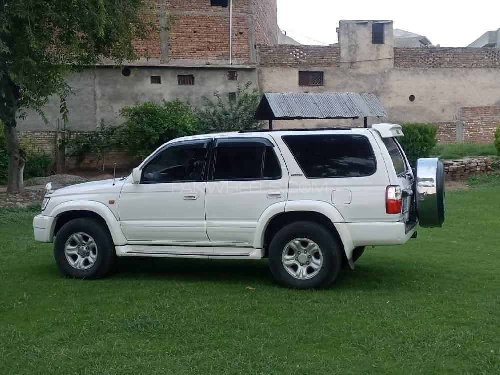 toyota surf available for rent in Islamabad and Giglit Hunza